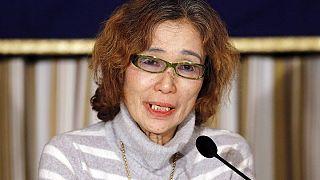 ''Salvate mio figlio'': si appella al governo giapponese la madre di uno dei due ostaggi dell'Isil