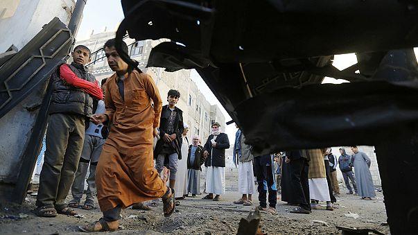 Los rebeldes hutíes rodean el Parlamento yemení tras la dimisión de los jefes de Estado y de Gobierno