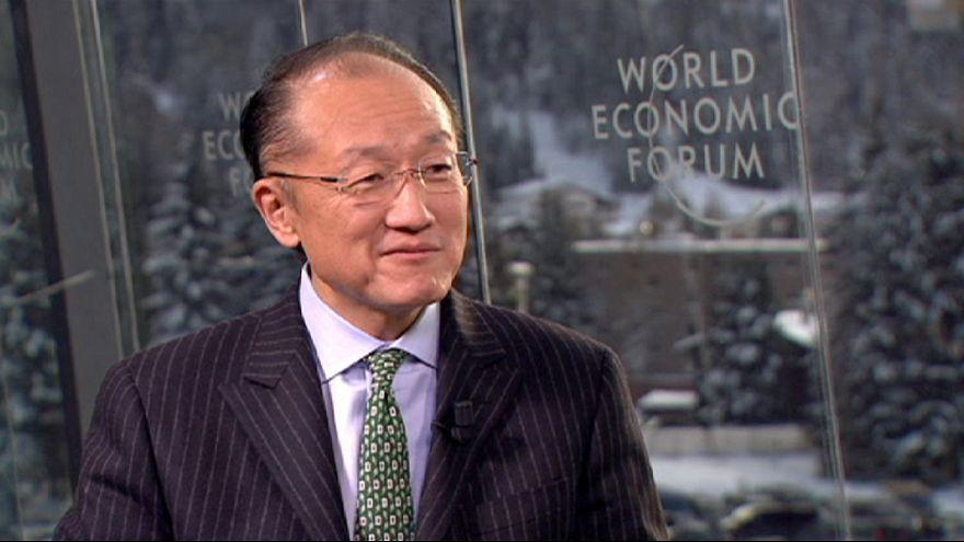 """الدكتور""""جيم يونغ كيم """"يعرب عن قلقه إزاء الأزمة المالية في أوروبا"""