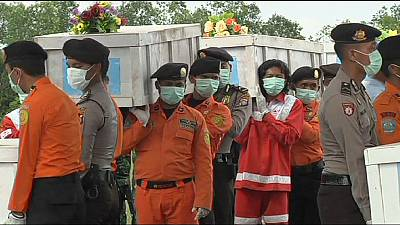 More victims recovered from AirAsia plane crash site – nocomment