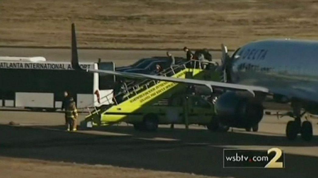 Alerte à la bombe dans deux avions de ligne américains