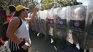 Venezuela: Milhares protestam contra escassez de bens de consumo