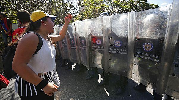 Протесты в Каракасе - против инфляции и дефицита товаров