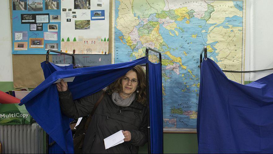 Yunanistan kritik seçimler için sandık başında