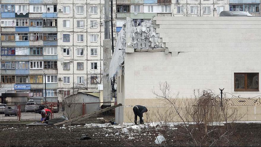 فيديو يظهر لحظات الهجوم الصاروخي على ماريوبول شرق اوكرانيا