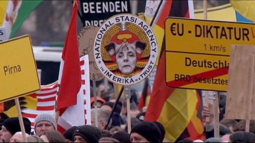 Dresda, in migliaia alla manifestazione anti-islam di Pegida
