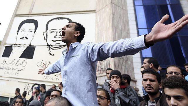 Mısır'da 25 Ocak'ın yıl dönümünde sokaklar karıştı