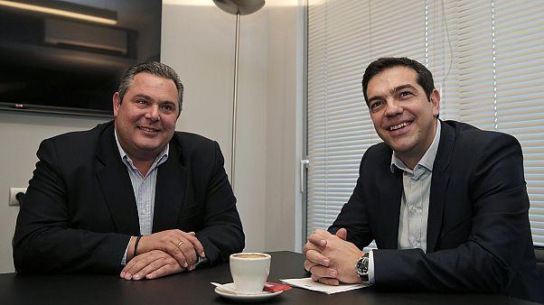 """Grèce : """"accord de gouvernement"""" entre Syriza et un parti de droite"""