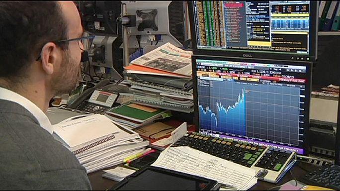 Евро упал в ответ на выборы в Греции