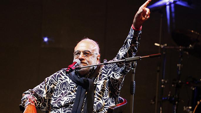Meghalt Demis Roussos világhírű görög énekes