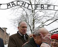 Holocaust survivors tell the world what happened in Auschwitz
