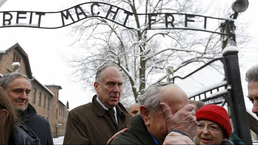 Узники Освенцима — против попыток переписать историю