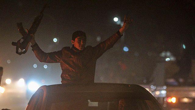 Les Kurdes dansent pour la libération de Kobané