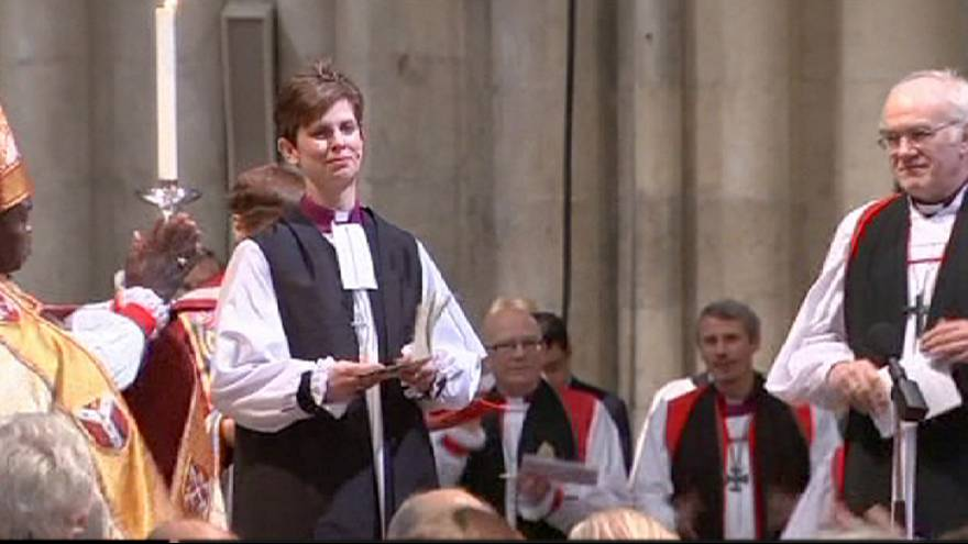 Woman becomes first female Church of England bishop