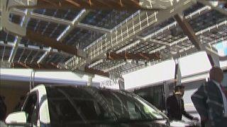 Στέγαστρα ηλιακής φόρτισης από την BMW και νέο ασανσέρ από την Thyssenkrupp