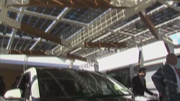 Solar-Carport erzeugt Strom direkt vor der Haustür