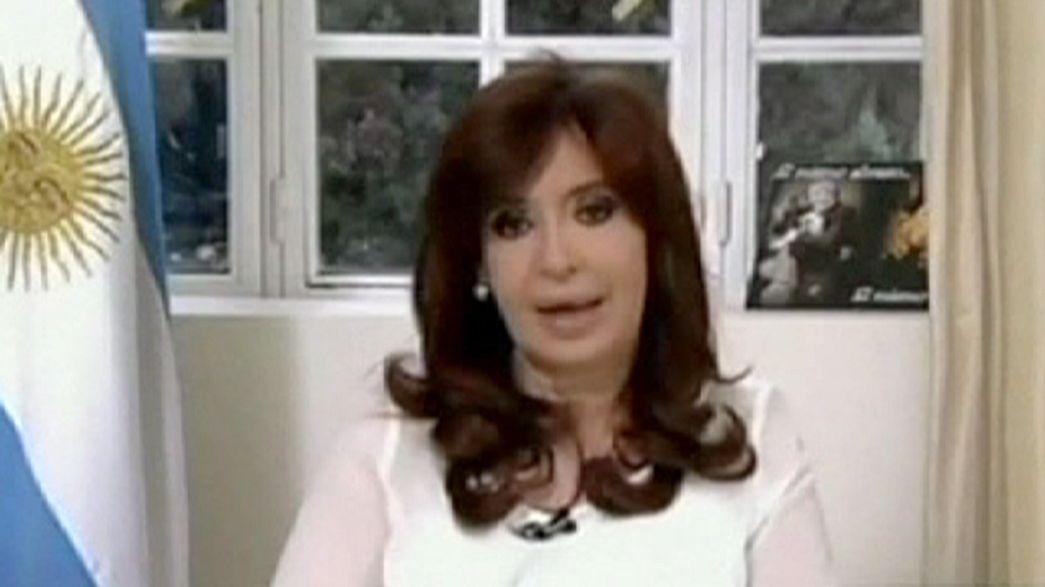 الأرجنتين: الرئيسة كيرشنر تحل جهاز المخابرات الأرجنتيني بسبب قضية النائب العام نيسمان