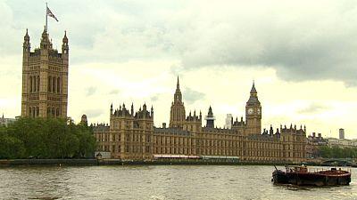 Economia britânica cresceu 2,6% em 2014
