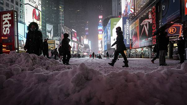 New York sotto la neve. Ma la Grande Bufera non c'è stata