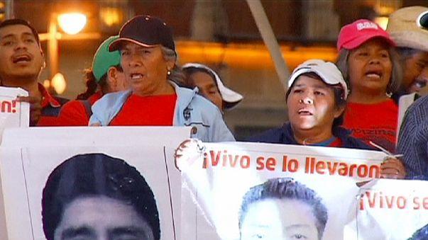 تجمع اعتراضی در پایتخت مکزیک، چهار ماه پس از ناپدید شدن دانشجویان