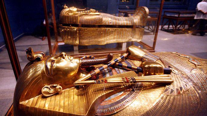 Tutanhamon szakálla és a lefűrészelt fejű hableány