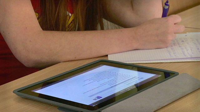 Olvasás, tankönyvek és a digitális világ