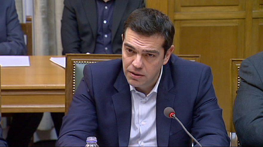 Grécia inicia mudança com bolsa mergulhada no vermelho