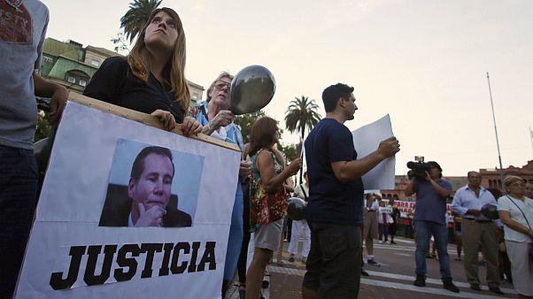 تشييع جثمان المدعي الأرجنتيني ألبرتو نيسمان