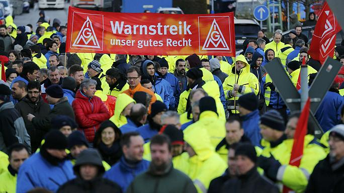 Thousands of engineering workers go on strike in Germany