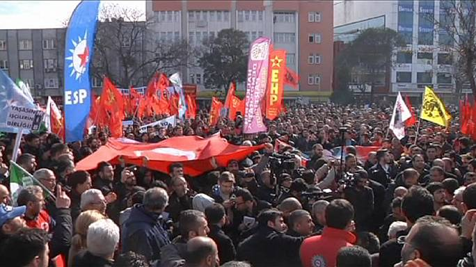 Factory production hit by metal workers strike in Turkey