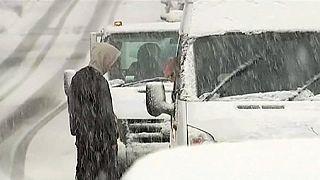 Güneş batmayan ülke karla mücadele ediyor