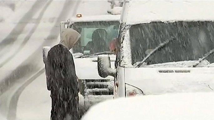 الثلوج تعطل حركة الملاحة في مطار مانشستر