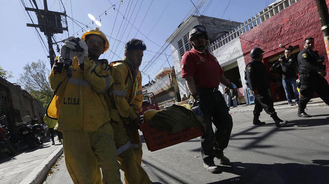 Rettungskräfte suchen weitere Verletzte nach Gasexplosion in Mexiko-Stadt