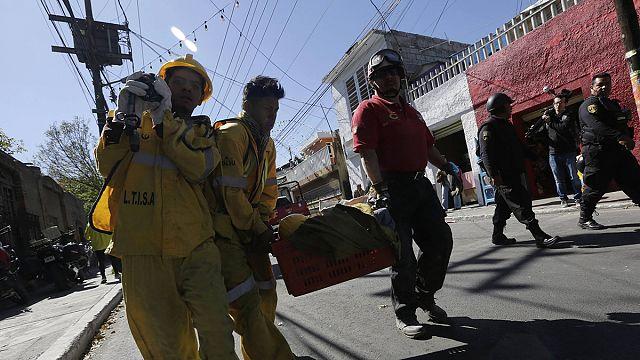 Meksika'da hastane önündeki patlama sonrası arama çalışmaları sürüyor