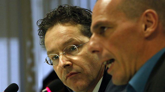 وزير المالية اليوناني يعلن وقف التعاون مع ترويكا المقرضين