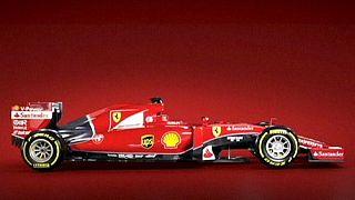 Ferrari apresenta bólide para esquecer pesadelo de 2014
