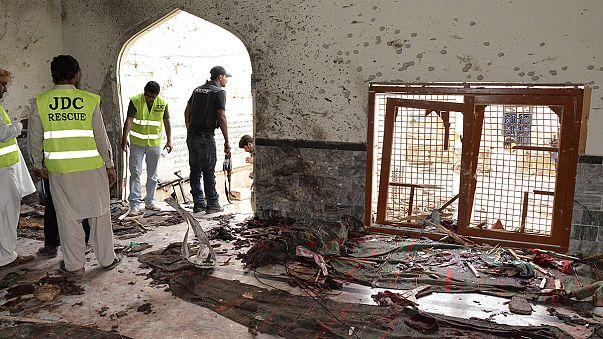Anschlag auf Moschee in Pakistan reißt Betende in den Tod