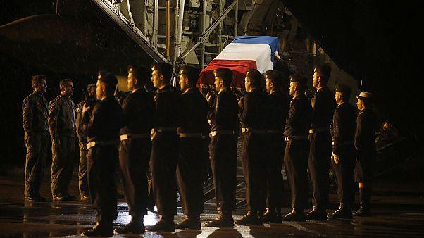 F-16 kazasında ölen askerlerin naaşı Fransa'ya gönderildi
