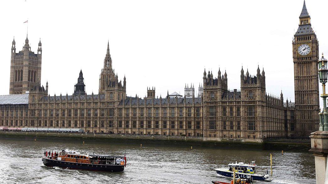 Anglia a fél évszázada elhunyt Winston Churchill emléke előtt tisztelgett