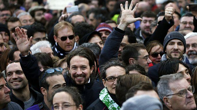 """Испания: партия Podemos собрала на """"Марш перемен"""" более ста тысяч сторонников"""