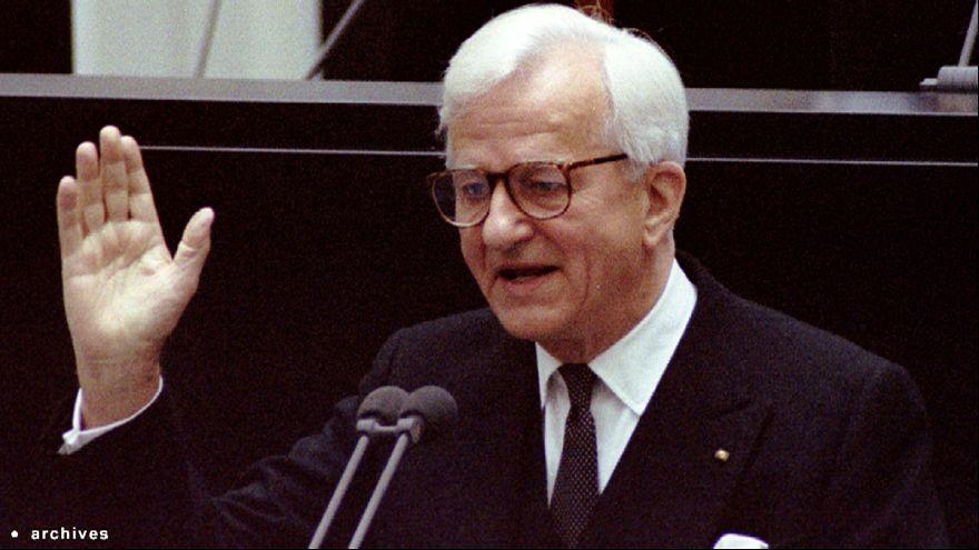 Richard Von Weizsacker, Germany's reunification president, dies at 94