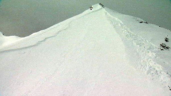 Dez mortos em avalanches nos Alpes suíços