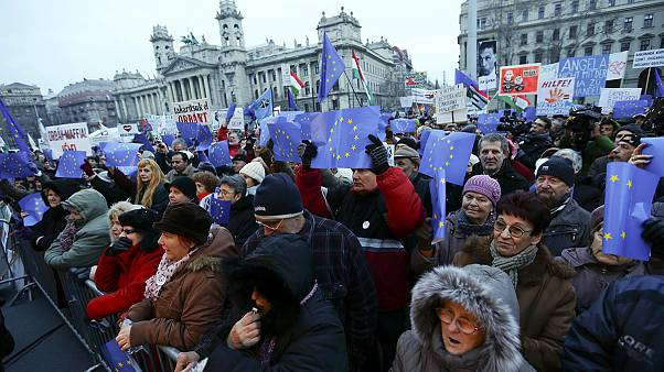 Hungarians protest against PM's pro-Russian policies
