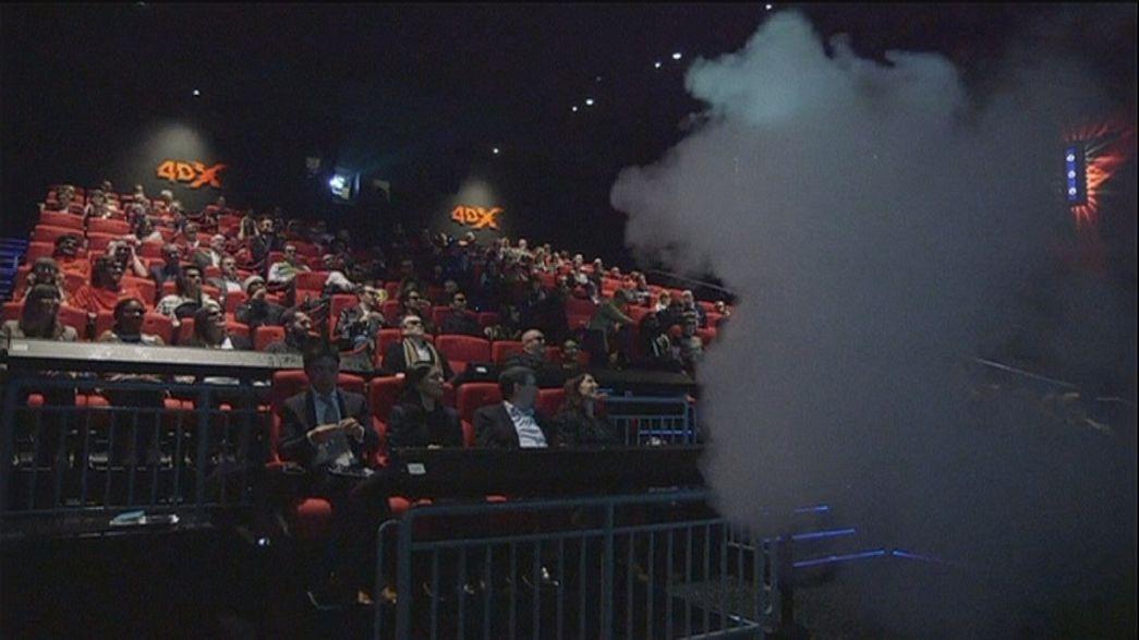 Uma sala de cinema que estimula os cinco sentidos