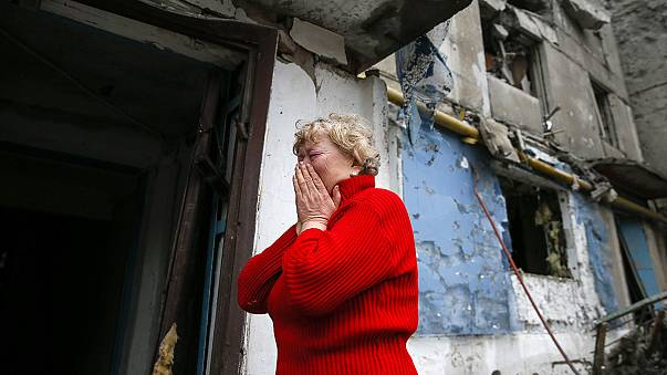 Civilians suffer as Ukraine rebels step up battle for Debaltseve