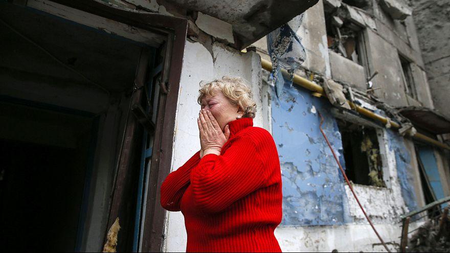 استمرار للقصف ودمار على طريق ديبالتسافا شرقي أوكرانيا