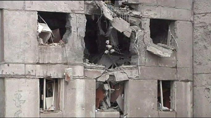 Éjjel-nappal bombáznak a kelet-ukrajnai fronton