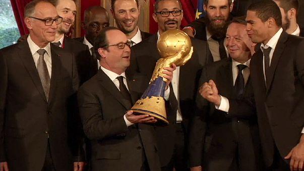 Hentbol: Dünya şampiyonu Fransa takımı Elysee Sarayı'nda