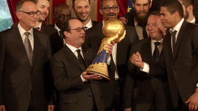 Hollande fogadta a világbajnokokat