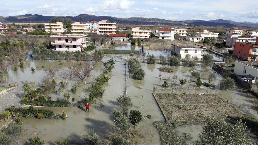 البانيا تحصي خسائرها بعد فيضانات جنوب البلقان